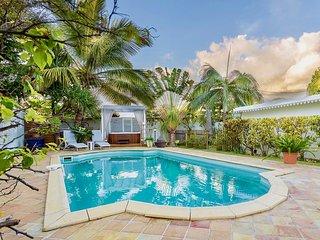 Villa standing piscine&Spa, charme créole dans village bord de mer Etang Salé
