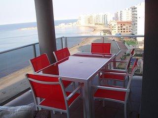 Precioso apartamento en 1ª línea del Mar Mediterráneo con impresionantes vistas