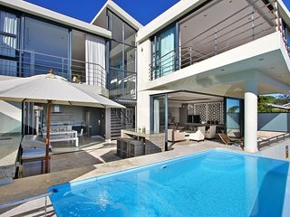 Well Situated 6 Bedroom Villa
