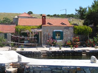 National Park Kornati - Fisherman's house DRAGICA