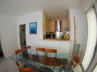 Appartement tout confort 50 metres de la mer