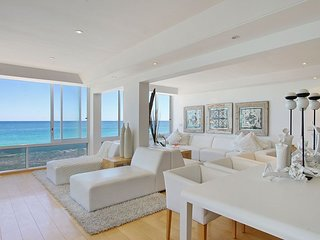Stylish Beachfront Apartment