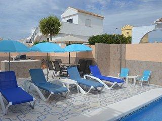 Villa Nobotha, Walk to Golf, Detached Villa, Private Pool