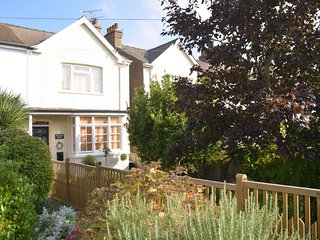 LOVELY EDWARDIAN SEASIDE HOUSE.   (10 minutes drive to  ROYAL ST. GEORGE'S GOLF)
