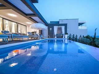 4 bedroom Villa in Crikvenica, Primorsko-Goranska Zupanija, Croatia : ref 563429