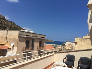 Casa Flavia con terrazzo vista mare in centro Storico area pedonale