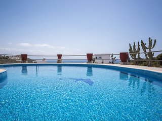 Bluebell,Three bedroom villa,stunning sea and sunset views, private pool