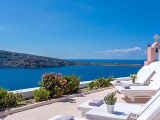 Sunset Chaser Villa with private terrace with jJcuzzi, Sunset & Sea View