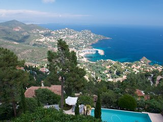 211047 4-bedroom luxurious villa with incredible view, partly airco, pool.