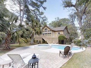 New! 4BR/3BA Fabulous home in Shipyard, Private Pool, Jacuzzi, Golf, Tennis, Clo