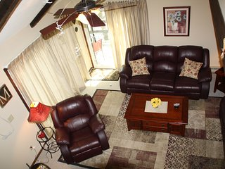 **FALL SALE**Foliage, golf, Hiking, shopping,5 Star; Bright End Unit, SpaciouS