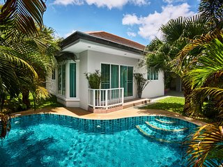 Luxury villa with swimmong pool