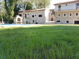 Stara kuca Estate - House Barba - Two Bedroom House with Shared Swimming Pool