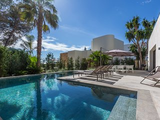 Catalunya Casas: Villa S'Argamassa for 10 guests, walking distance to Ibiza beac