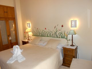 Martin Munoz de las Posadas Holiday Home Sleeps 5 with Pool Air Con and WiFi