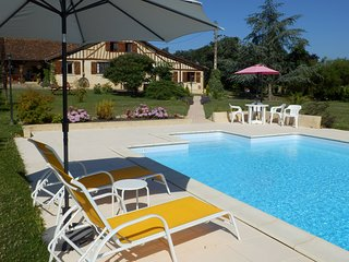 Two bedroom Gite in lovely rural setting with salt water pool