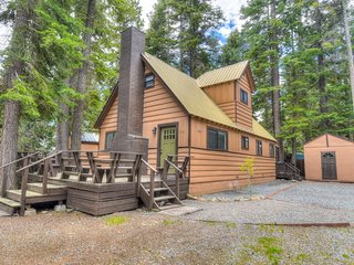 Newly Remodeled Tahoe Cabin: 5 Minutes to Lake