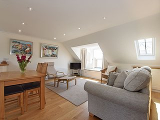 Penthouse on the Harbour, with views of the sea and 20 minutes from St Andrews