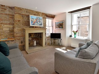 House on the Harbour - peaceful fishing town of Pittenweem, Fife. Sleeps 6-8