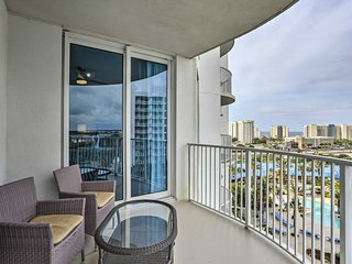 Chic Destin Resort Condo w/Balcony - Walk to Beach