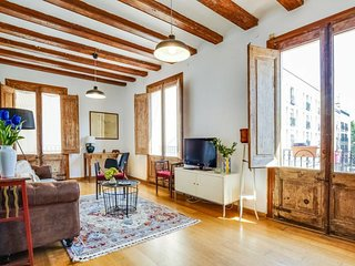 Bright and cosy 3 bed in the center of Barcelona