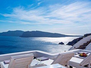 Mystic Luxury Villa II, Jacuzzi with sea and volcano view