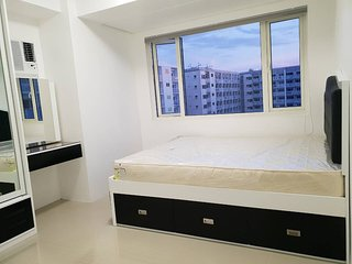 Treasure 2 bedrm 2 bath luxury condo