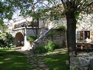 House Ivela - Accommodation in Istria region of Croatia - stone farmhouse