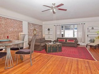 NEW! VERY SPACIOUS Luxury Apt. 15 mins to TIMES SQUARE NYC. VIEWS of NYC.