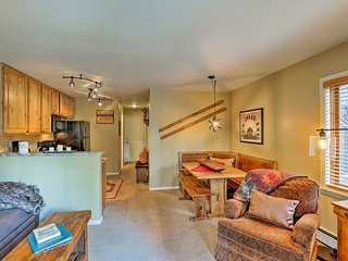 Breckenridge Condo - 5-Min Walk to Snowflake Lift!