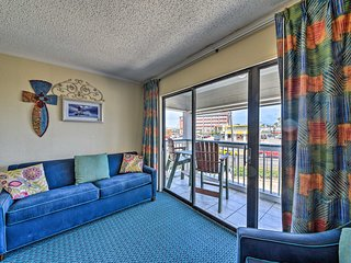 NEW! Remodeled Galveston Condo - Walk to Beach!