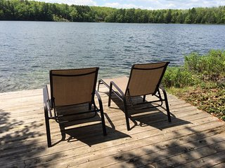 TOWN LAKE LODGE (15 miles from Pictured Rocks): Canoe included! Pictured Rocks o