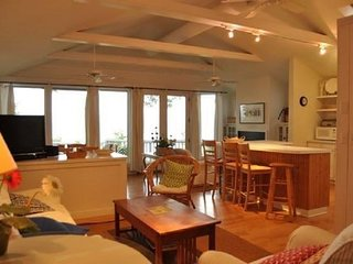 SAWYER LAKE HOUSE (Union Pier): June 24th-30th JUST OPENED!! Sleeps 6, on Lake M