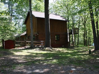 RIVER RETREAT (Skanee, MI): 2 Bedrooms, Pets OK!