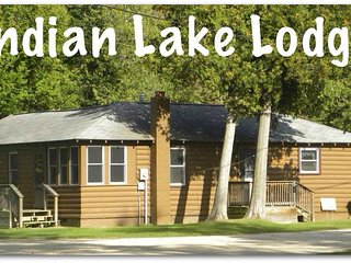INDIAN LAKE LODGE (Indian Lake): Sleeps 8, Sandy Beach, Handicap Accessible