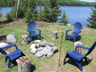 SUNDOG LAKE COTTAGE (Republic, MI): June dates available! 1 jon boat & 1 kayak p