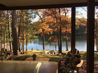 ABBOTT LAKE HOUSE: year-round vacation home! 2020 calendar OPEN!