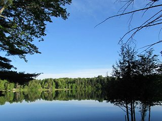 TURTLE COVE (on Town Lake near Pictured Rocks)--Sleeps 6, Pets welcome