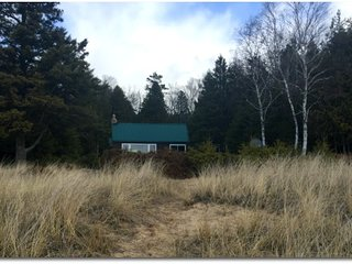 STONINGTON CLEARVIEW COTTAGE: 4th of July OPEN! Private Lake Michigan cottage!