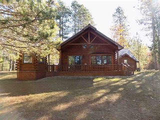 BICKEL'S CABINS (Manistique, MI):Enjoy fall colors here!Pet friendly, secluded l