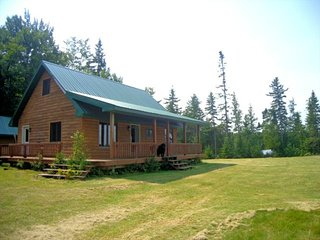 MARTEN LAKE CABIN (Iron County): Unplug here! Private, peaceful lakefront--Sleep