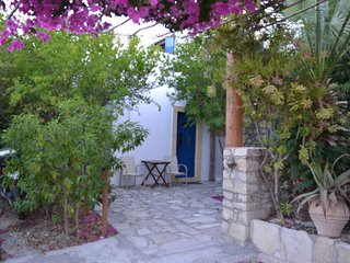 Anevolema apartment 1 - confortable and friendly hosted accommodation
