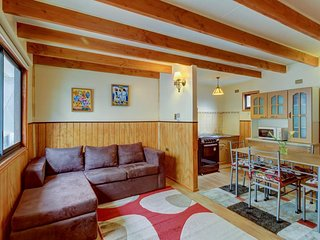 Cozy cabin in quiet neighborhood with great location for exploring Valdivia!