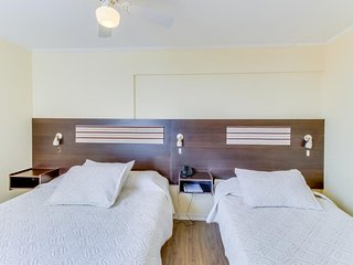 Centrally located hotel features free breakfast, shared meeting rooms!