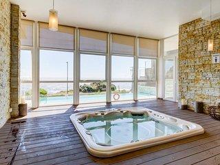 Elegante y moderno departamento frente al mar - Elegant & modern oceanfront apt