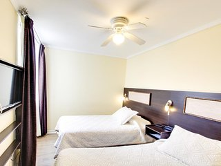 Cozy & convenient room in the heart of all of the action, & close to attractions