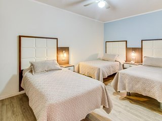 Comfortable room w/ cable, free WiFi, & great location - great for small groups