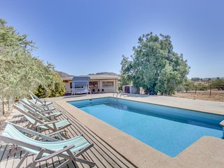 Lovely, spacious villa with a private pool - quiet and semi-secluded!
