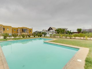 Departamento con gran piscina compartida - Apartment with large shared pool