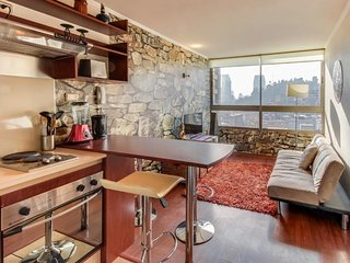 Cozy apartment with amazing views & free WiFi at center of the city
